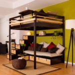 кровать-чердак с зоной уюта