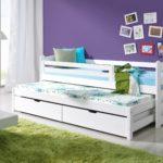 кровать-чердак в сиреневую комнату