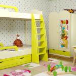 кровать-чердак желтый