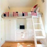 кровать-чердак белая лестница