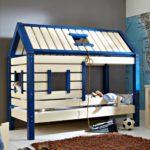 кровать-домик для детей футбло