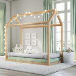 кровать-домик для детей с лампочками