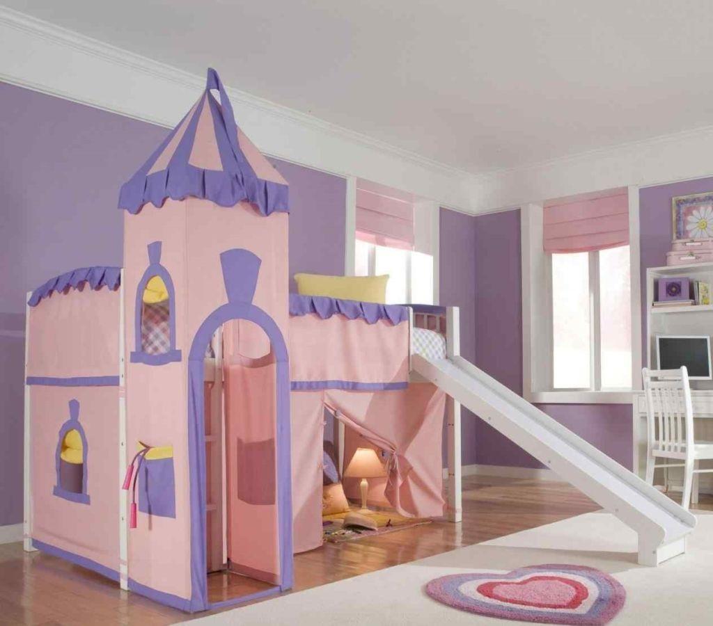 кровать-домик для детей замок