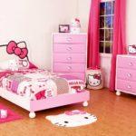 кровать для девочки в интерьере хеллоу китти