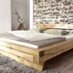 кровать из массива сосны фото оформление
