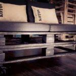 кровать из поддонов с подушками коттон