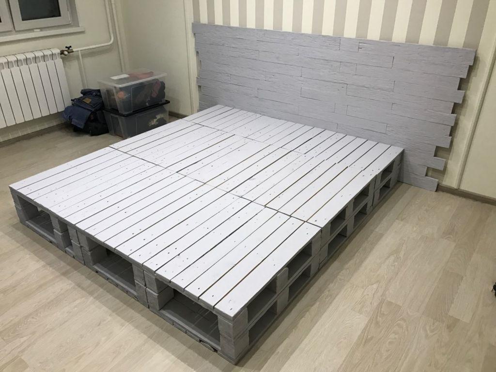 кровать из поддонов укладка