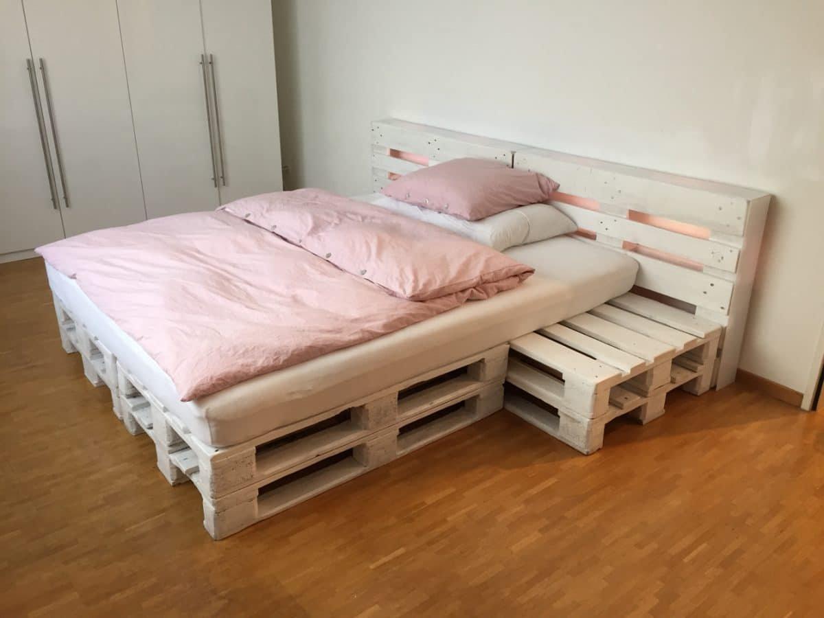 кровати из паллет поддонов фото было при