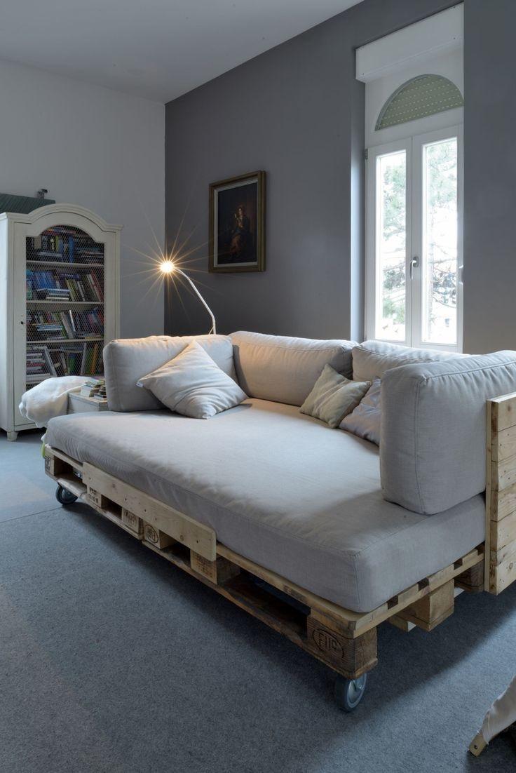 кровать из поддонов матрас