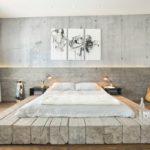 кровать-подиум на бревнах