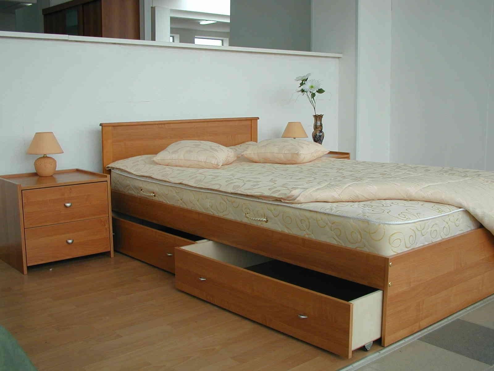 кровать-подиум низкие потолки