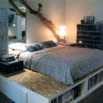 кровать-подиум с корягой