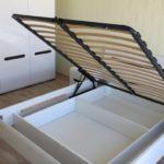кровать с подъемным механизмом открытая