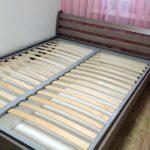 кровать с подъемным механизмом деревянная
