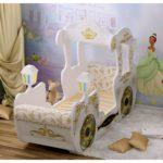 белая карета-кровать для девочки