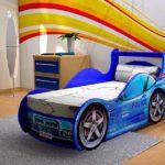 открытая кровать-машина для мальчика