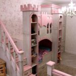 розовый замок-кровать для девочки