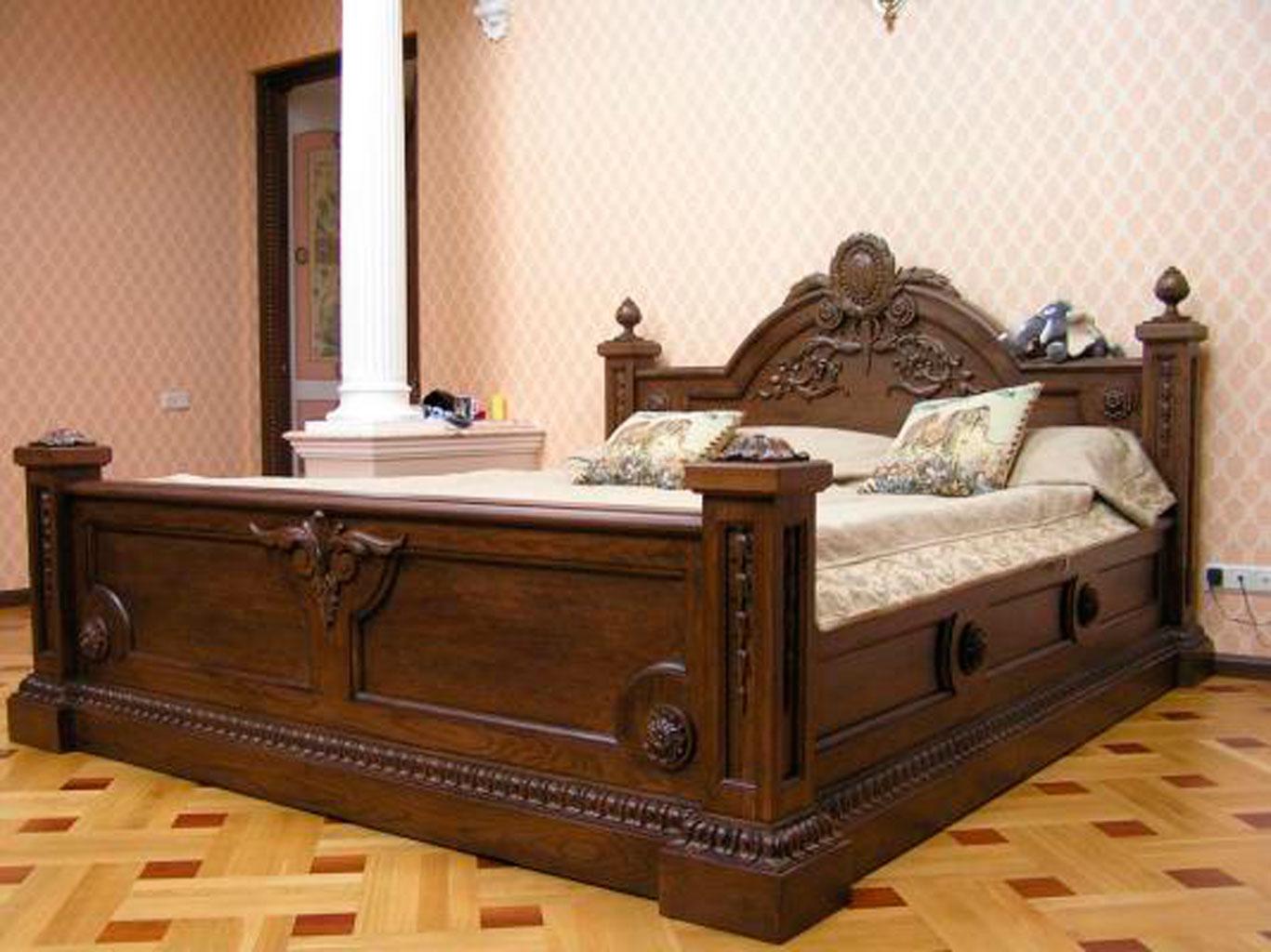 кровати из сосны декор