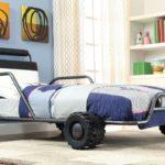 необычная кровать-машина для мальчика