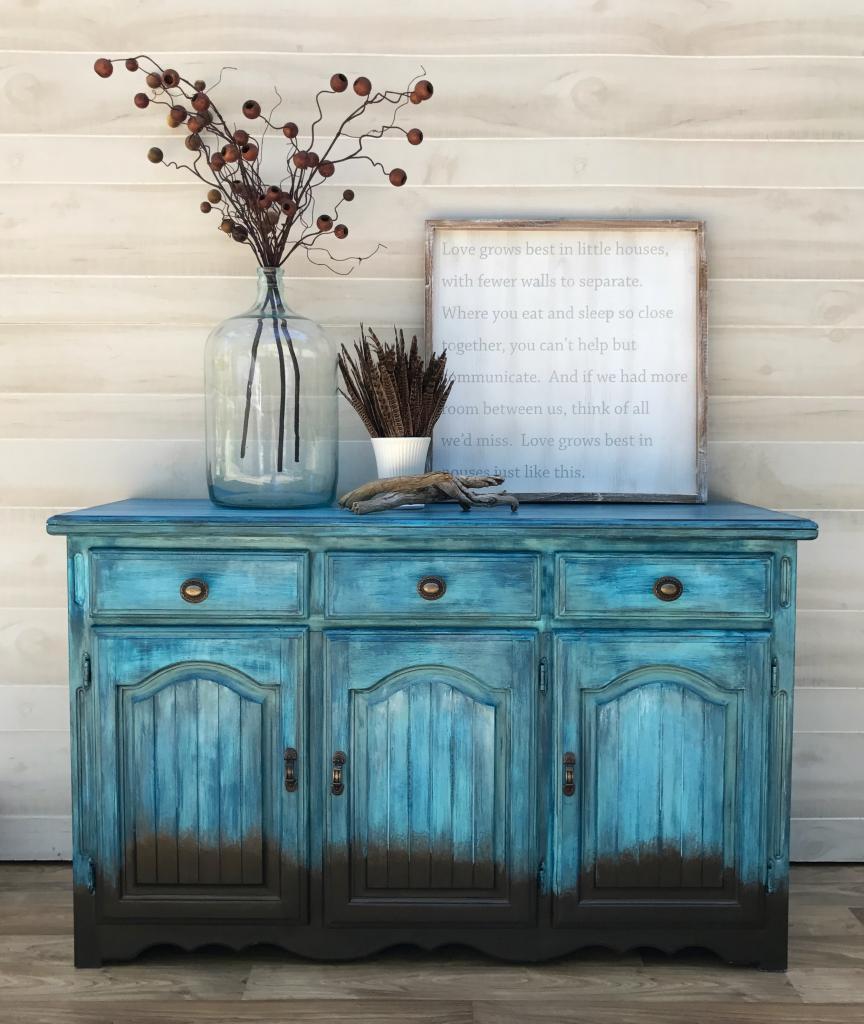 Состаренная мебель синяя