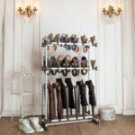 место в гостиной для хранения обуви