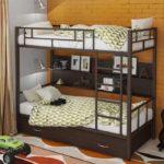металлические двухъярусные кровати виды декора