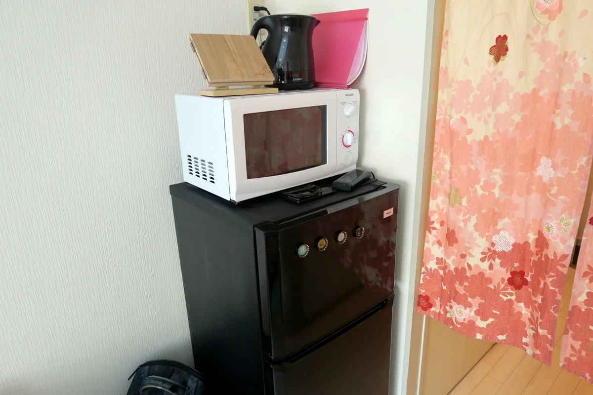 микроволновка на холодильнике фото