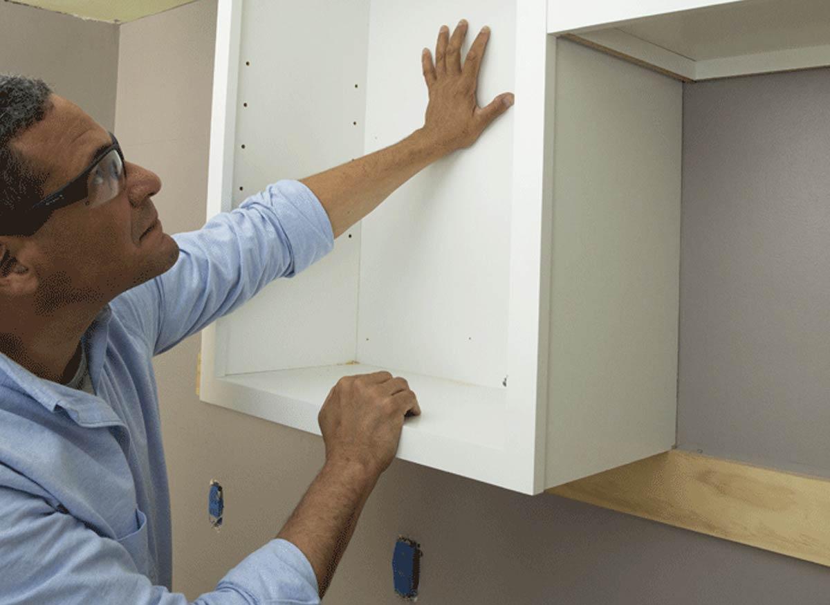 монтаж кухонных шкафов