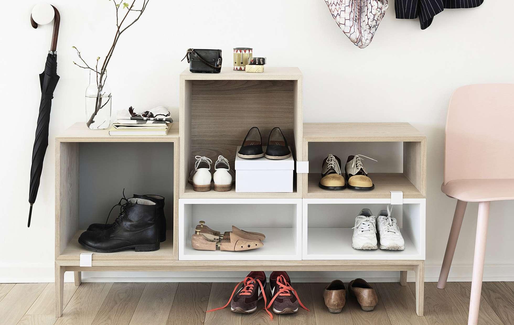 обувь в маленькой прихожей