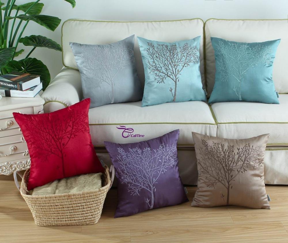 подушки для дивана разных цветов