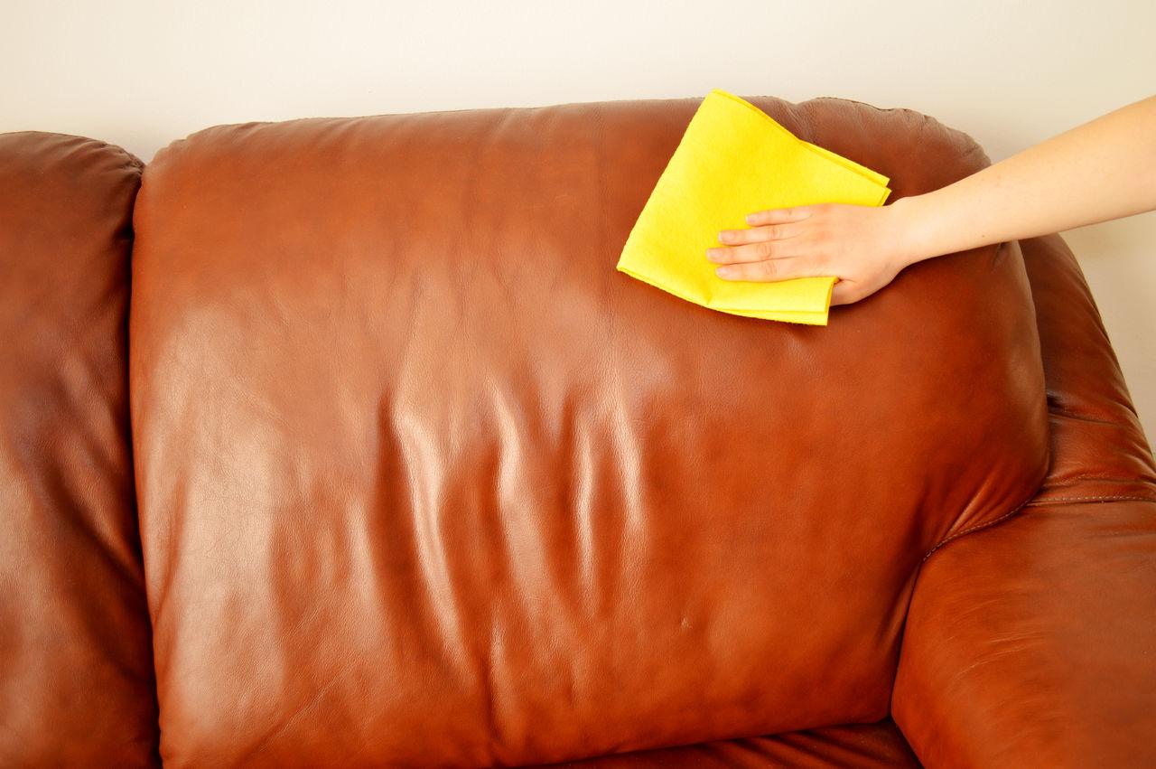 правила чистки дивана