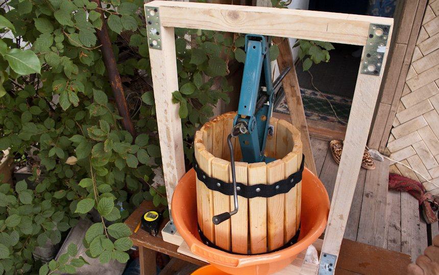 деревянный пресс для отжима сока