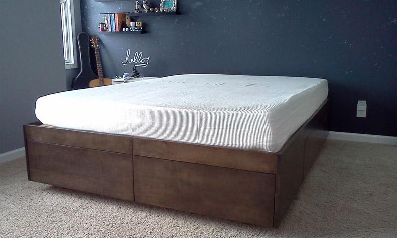 кровать-подиум декорирование