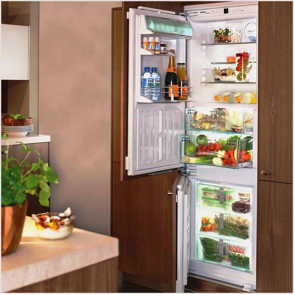 монтаж дверей шкафа для холодильниа