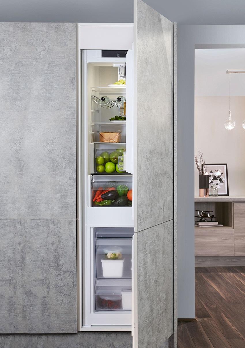 нюансы встраивания холодильника в шкаф