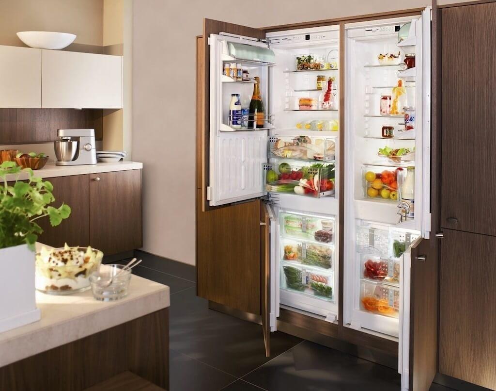 поверхность для шкафа под холодильник