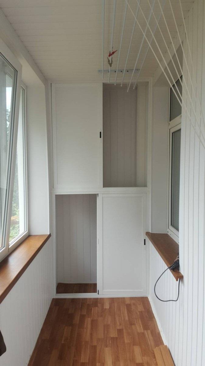 достоинства балконного шкафа