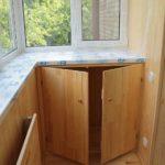шкаф на балкон внизу