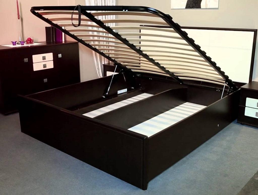 необходимых материалов и инструментов для сборки кровати