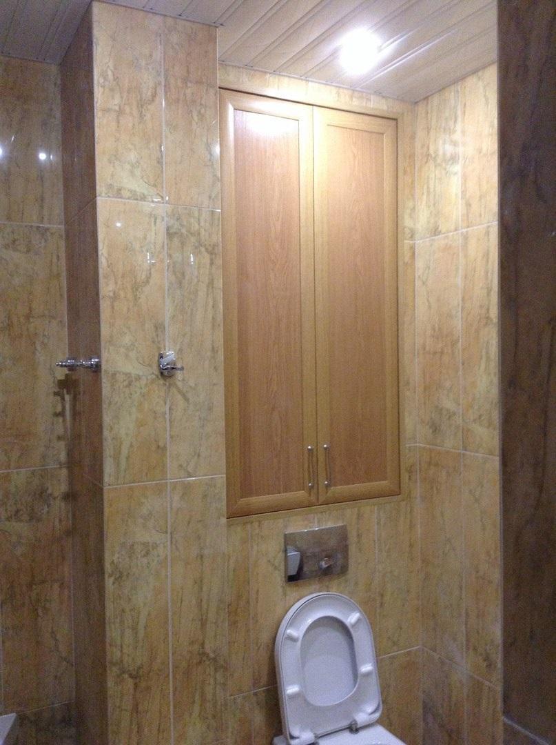 настенный шкаф для туалета