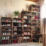 большой стелаж для хранения обуви