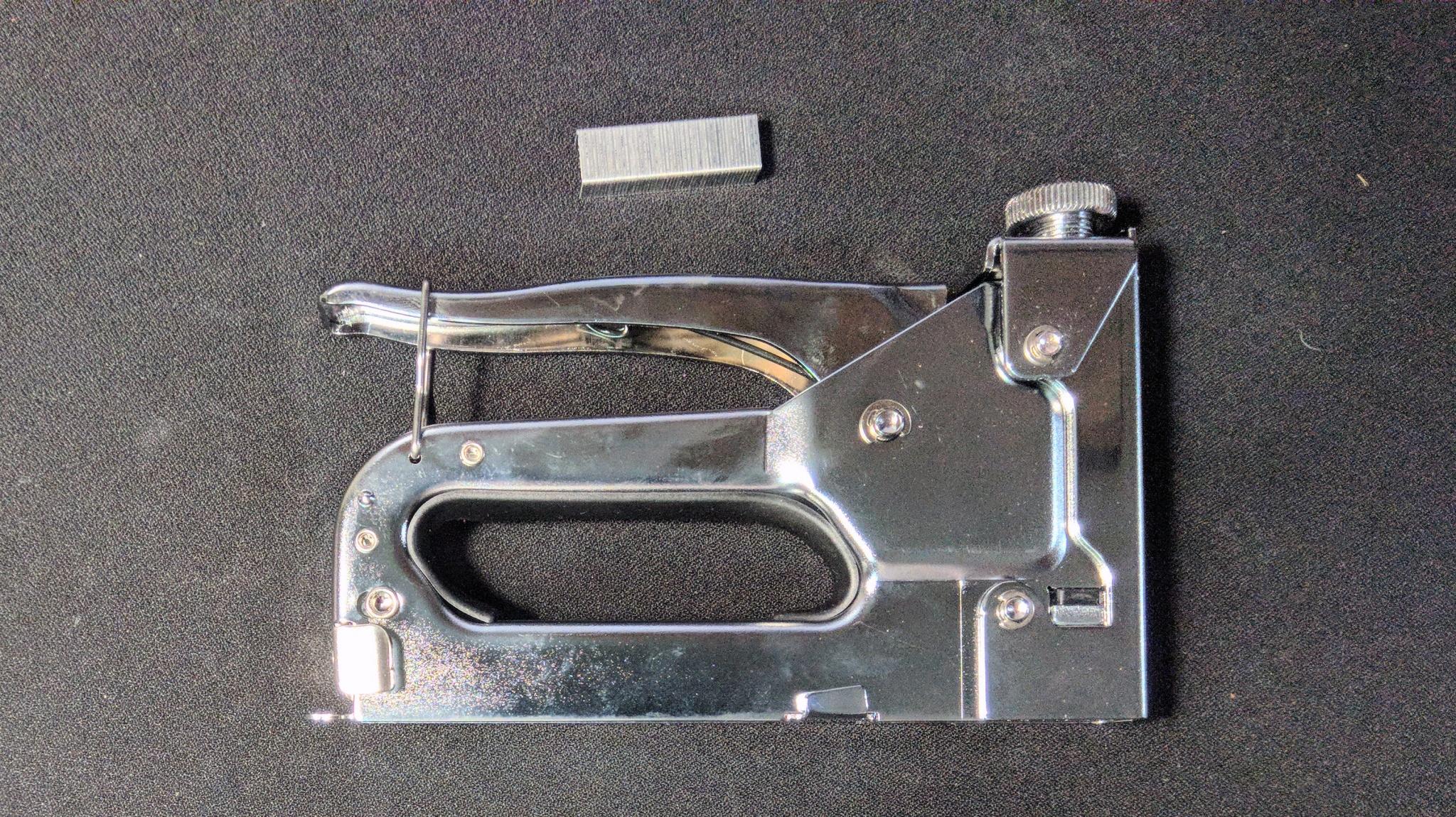 удобный степлер