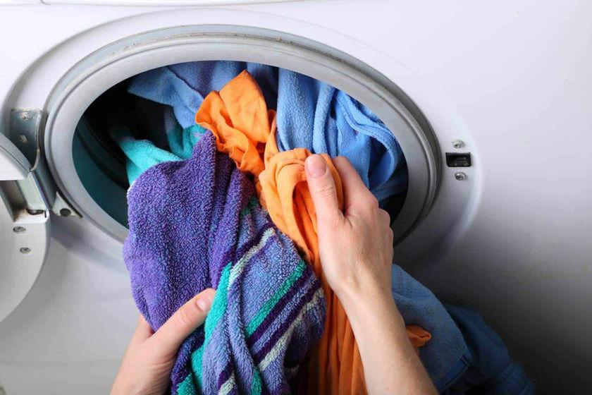 стиральная машина с вещами