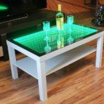 зеленый стол с эффектом бесконечности