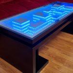 оригинальный стол с эффектом бесконечности