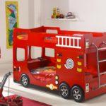кровать-машина для мальчика под красный автобус