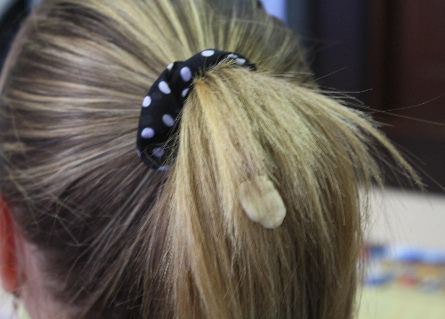 жвачка в волосах как удалить