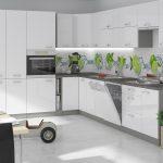 белый кухонный гарнитур с зеленым