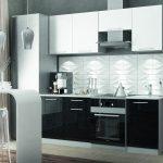 белый кухонный гарнитур половина черная