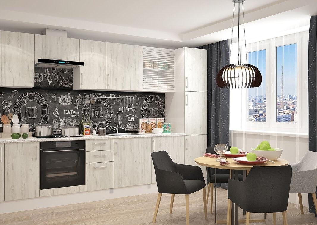 однотонный потолок в белой кухне